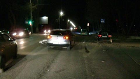 Два человека пострадали из-за непропустившей «Ладу» иномарки