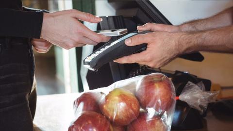Сбербанк отметил рост спроса на дистанционную активацию дебетовых карт