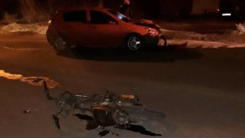 Молодой водитель мопеда погиб в столкновении с выехавшим на «встречку» авто