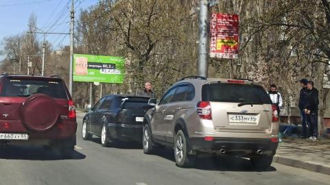 Огромная пробка из-за ДТП в Лениском районе