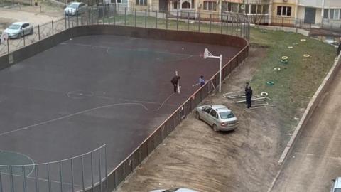 Из-за анонимной жалобы в Солнечном разобрали детскую площадку