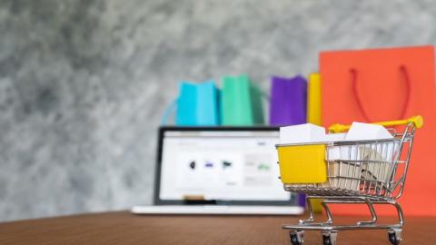 Сбербанк снизит ставку по интернет-эквайрингу для предприятий, реализующих социально-значимые товары и услуги через Интернет