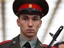 Биатлонист-чемпион Александр Логинов ушел в армию