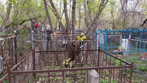 Воскресенское кладбище пустовало на Радоницу
