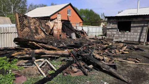 Семья не смогла спасти бабушку из огня