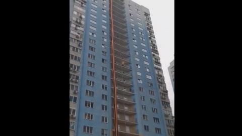 Самая длинная в России георгиевская лента вызвала у саратовцев неоднозначную реакцию | ВИДЕО