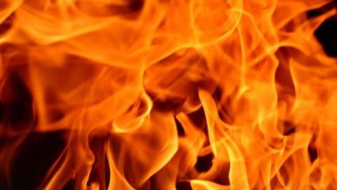 Пожар в саратовском автомагазине