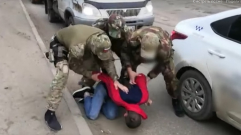 В Саратове задержаны обиравшие пенсионеров мошенники | ВИДЕО