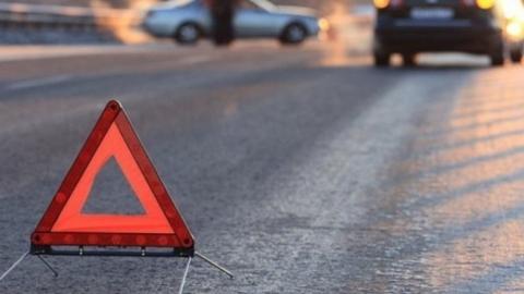Столкновение двух автомобилей «Лада» вызвало пробку в Заводском районе