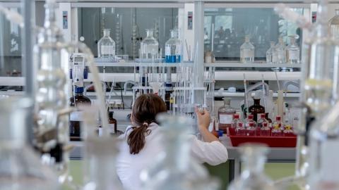 Три лаборатории в Саратовской области проводят платное тестирование на коронавирус