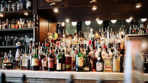 Энгельсский суд на восемь лет запретил мужчине ходить в бары