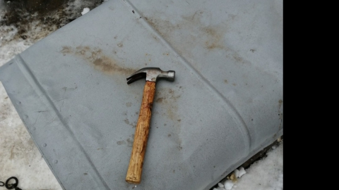 Селянин насмерть забил мать молотком из-за упреков в тунеядстве | 18+
