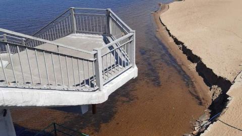 В Саратове смыло городской пляж | ВИДЕО