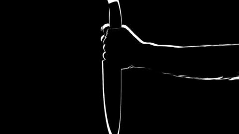 Мужественная соседка спасла мужчину от смерти после нападения психически больного друга