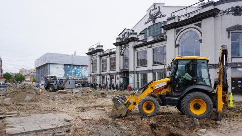 КВС завершило замену водопроводных сетей на площади перед цирком