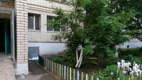 В Заводском районе двухлетняя девочка погибла после падения из окна
