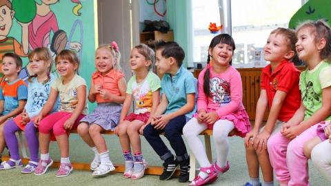 Саратовцы привели в детские сады более двух тысяч юных горожан