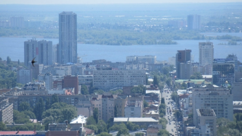 Горожане и гости Саратова в очередной раз критикуют город и вспоминают Грибоедова