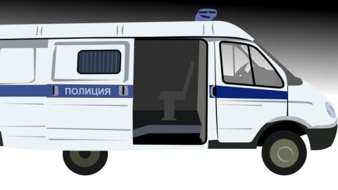 Селянин угрожал жене ножом, а замначальнику отделения полиции - карнизом