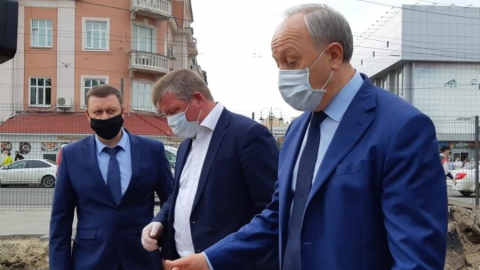 Глава Саратова доложил губернатору о завершении работ КВС в центральной части площади Кирова