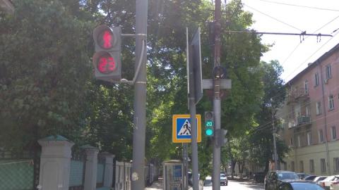 Светофоры на улице Мичурина по-прежнему неисправны