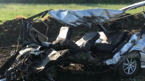 Водитель «четырнадцатой» погиб под колесами грузовика на встречке