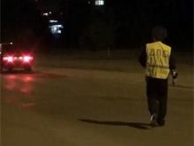 Инспектор ГИБДД надел световозвращающий жилет по совету водителя