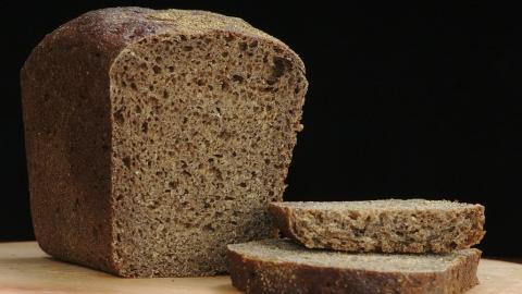 В Саратове цена на черный хлеб повышается ежемесячно