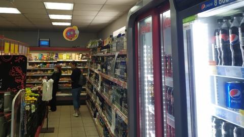 Оскорбитель власти подозревается в краже 12 шоколадок и коньяка за 10 минут