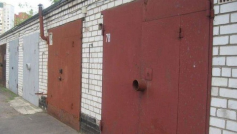 Два гаража и «десятка» загорелись в Ленинском районе