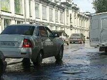 В центре Саратова затопило проезжую часть