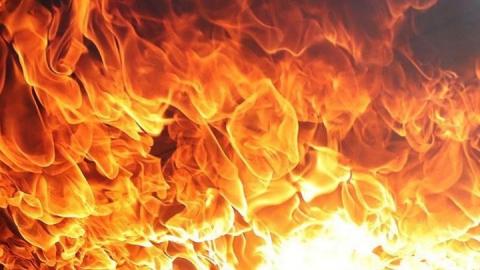 Жители Вольска устроили пожар в подвале жилого дома