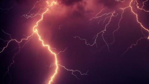 На Саратов надвигается новый ураган с грозой