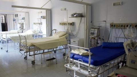 66 коронавирусных больных лежат на ИВЛ