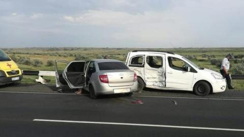 Женщина и пятилетний ребенок пострадали при столкновении иномарки и «Лады»
