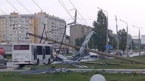 Вчерашний ураган оставил без света почти шесть тысяч домов Саратовской области