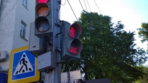 Переходивший дорогу на красный свет балаковец был сбит «семеркой»