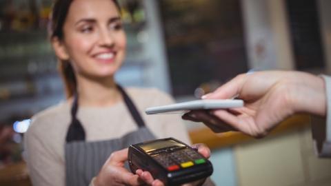 Сбербанк предложил инновационный способ покупок в кредит в офлайн-магазинах