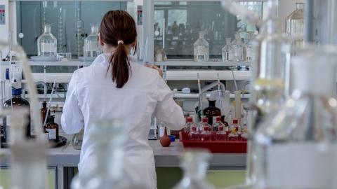 Более половины заболевших коронавирусом саратовцев успешно выписались из больниц
