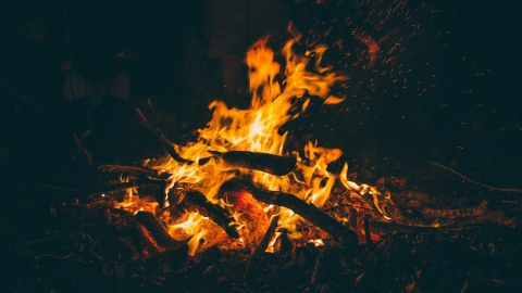 Попытка разжечь костер обернулась для жителя Энгельса трагедией