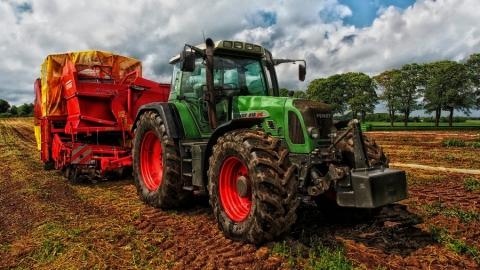 Саратовец хотел купить трактор и лишился 105 тысяч рублей