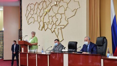 Валерий Радаев распорядился усилить ограничительные меры по коронавирусу
