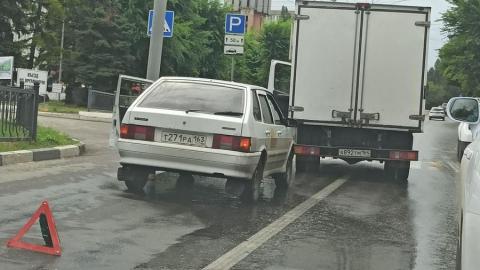 Огромная пробка в сторону Юбилейного из-за аварии с «ГАЗелью» и такси