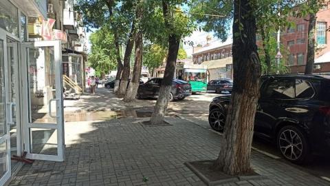 Троллейбусы встали из-за ДТП в центре города