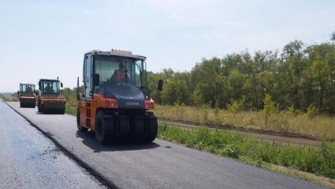 В Вольском районе ремонтируется дорога до Ульяновской области