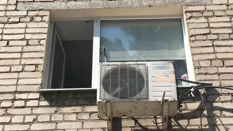 У следователей появились вопросы к родителям выпавшего из окна младенца