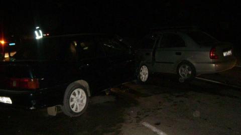 Двое саратовцев пострадали из-за лихача на перекрестке