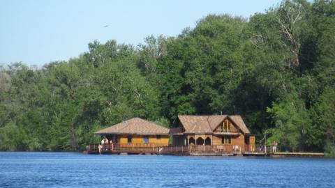 В Саратовской области открываются бассейны, аквапарки и санатории