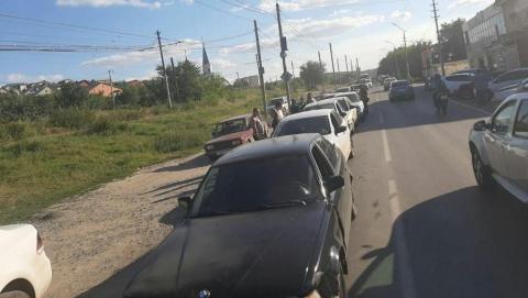 Саратовец на ВАЗ-2110 собрал «паровоз» из пяти машин в Поливановке