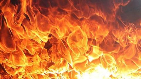 Частный дом загорелся в Новоузенском районе